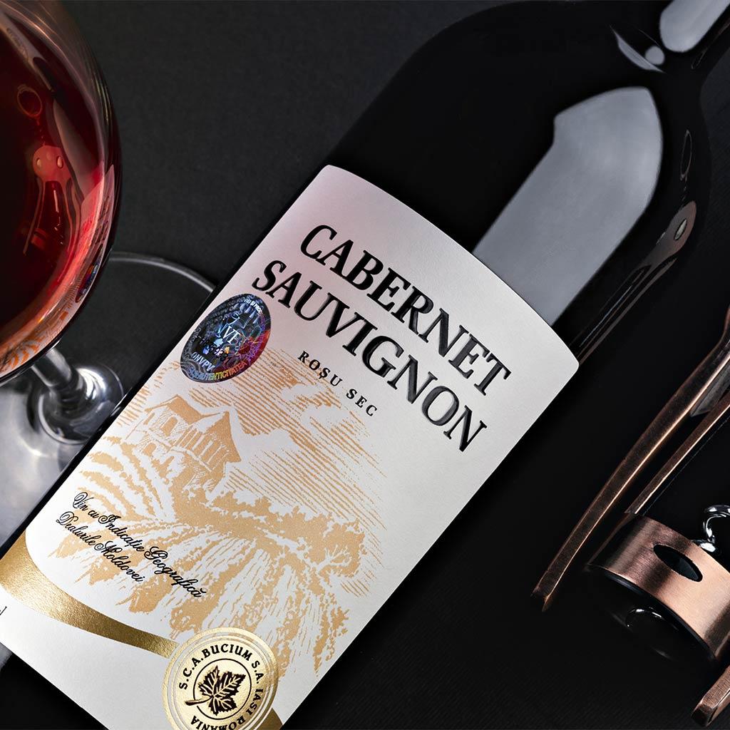 wine-packshot-advertorial-photography-botle-packshot