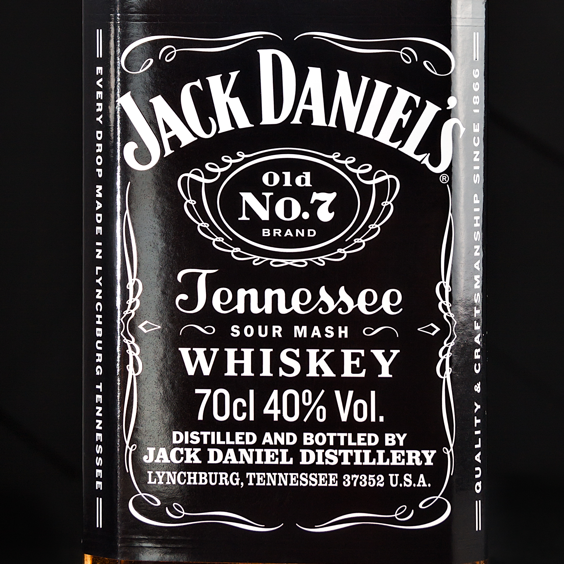 jack-packshot-commercial-photo-advertorial-for-web-social-media-and-print-preview-1-1